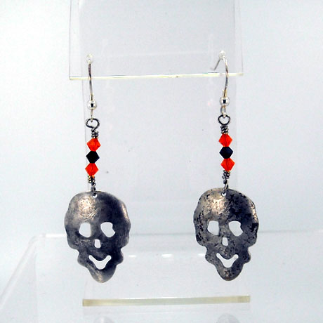 "E0306SW - Skull earrings - 2.75"" - French hooks - Click Image to Close"
