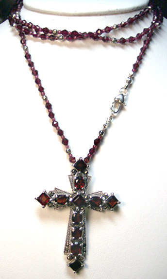 N0179 - Red Queen's Cross - 36""