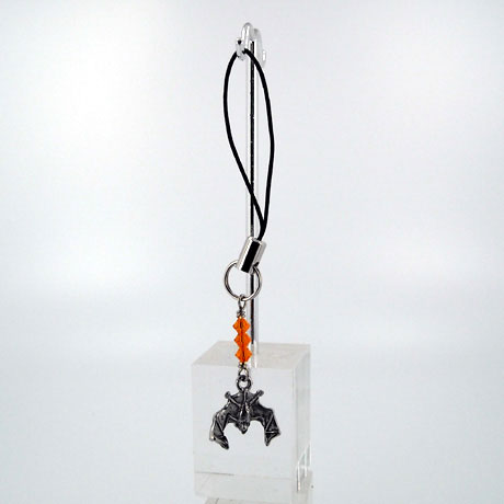 ZPSW069 - Hanging Bat - zipper pull 2""