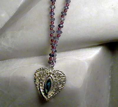 N0014 - Filagree Heart Pend on Iolite & Garnet necklace - 18""