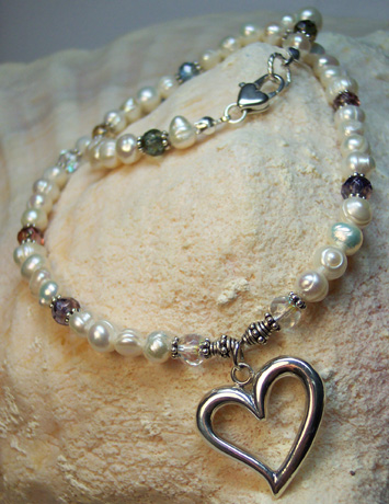 "N0113 - Pearls, Baubles & Hearts - 16"" - Click Image to Close"