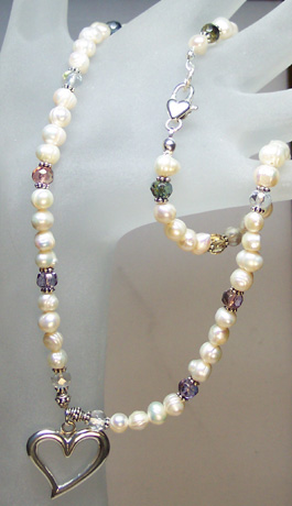 "N0113A - Pearls, Baubles & Hearts - 15""-18"""